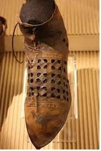 Renaissance Sandal Shoe - Alchemist Gift